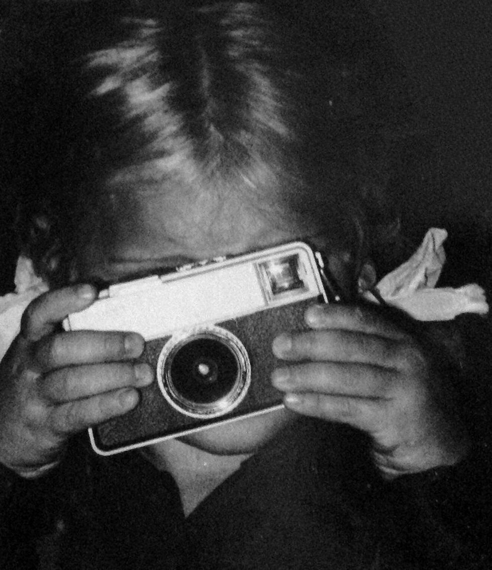 Christine Eklund, liten, fotograf, tar efter pappa