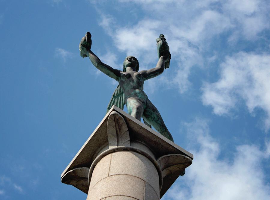 Helsingborg, staty, sjöfartsgudinnan, barnfamilj, fotografi i Helsingborg, Kärnan, I Tell Your Story, turist i Helsingborg